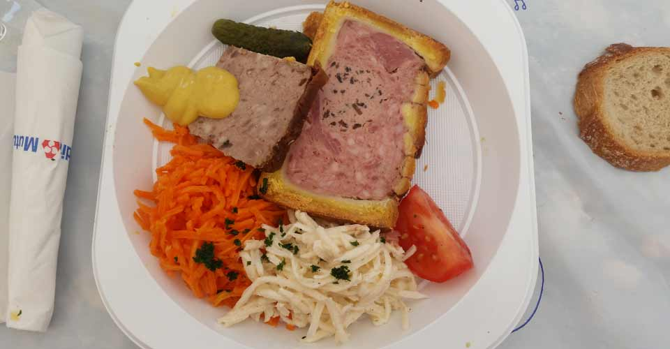 entree-pate-croute-salade