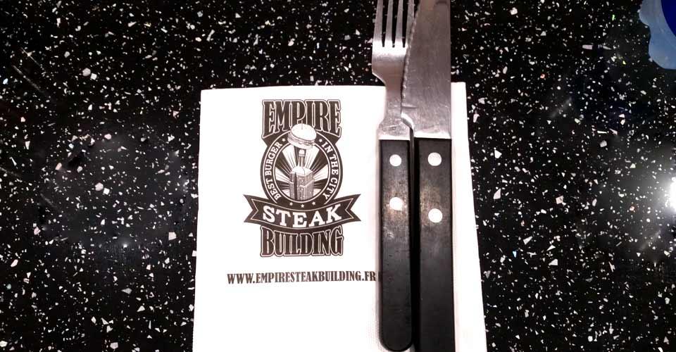 empire-steak-building-couverts