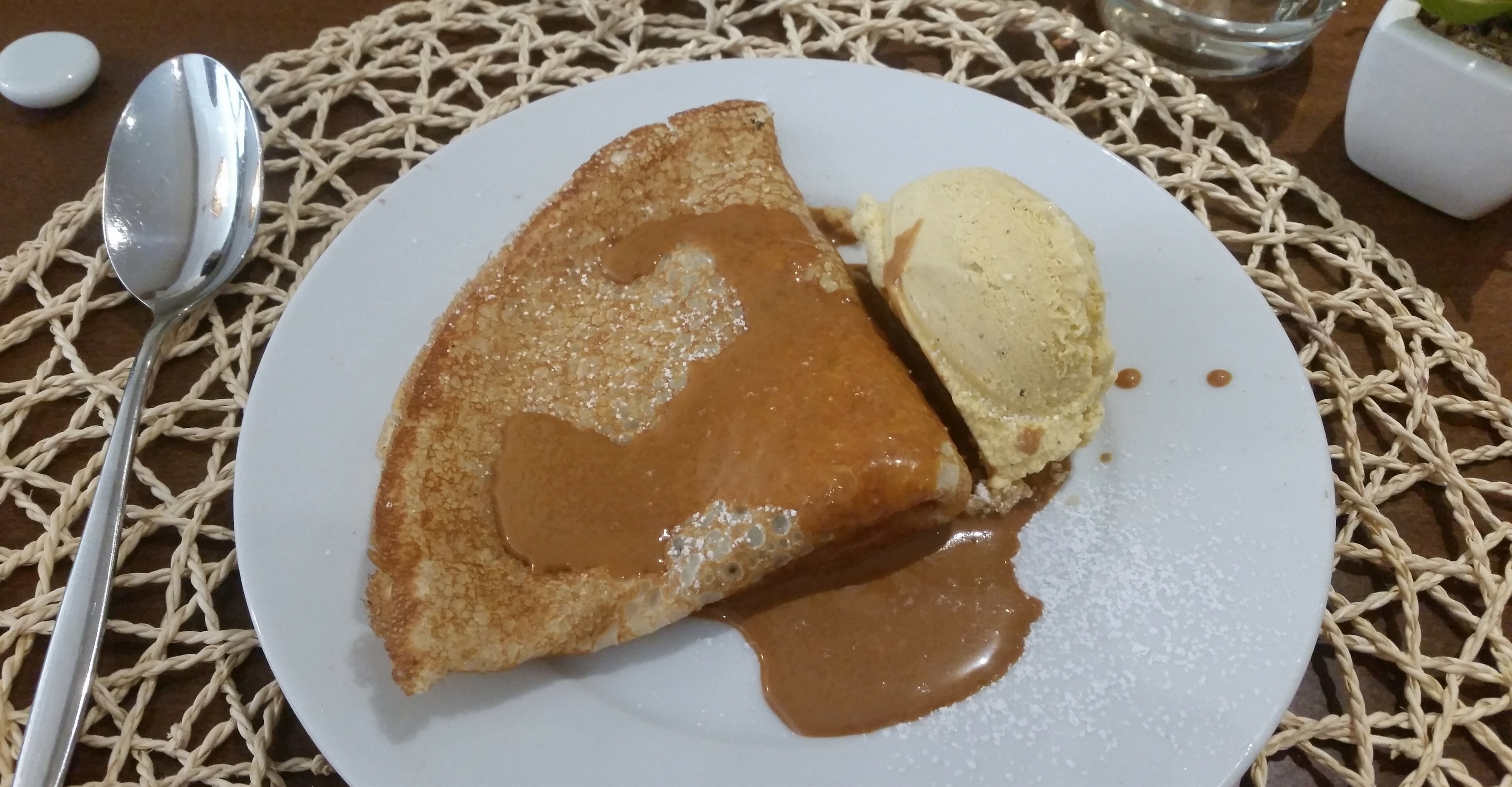 Santa-elena-crepe-dessert