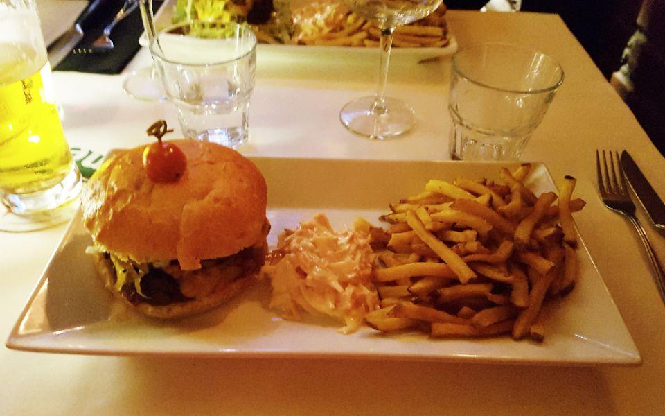SteakHouse-district-burger