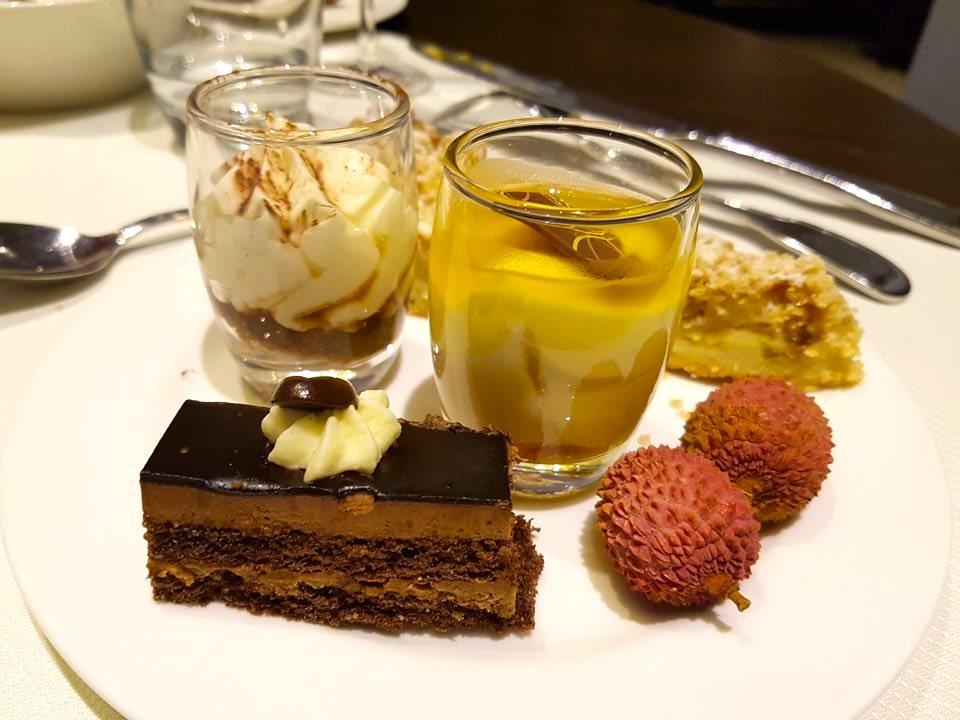 brasserie_h Brunch au Hilton _strasbourg_desserts_assiette
