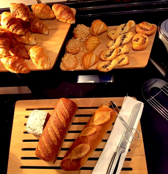 viennoiseries buffet petit-déjeuner