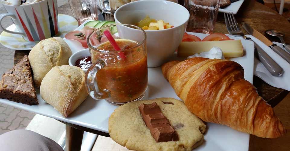 What the cake ? dépoussière les salons de thé