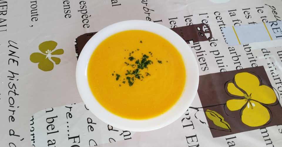 Recette Velouté de carotte et lardons grillés