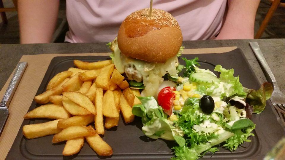 burger-frites-restaurant-dix-neuf