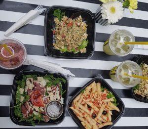 Gagao sort sa carte été : salade, gaspacho et gagachou
