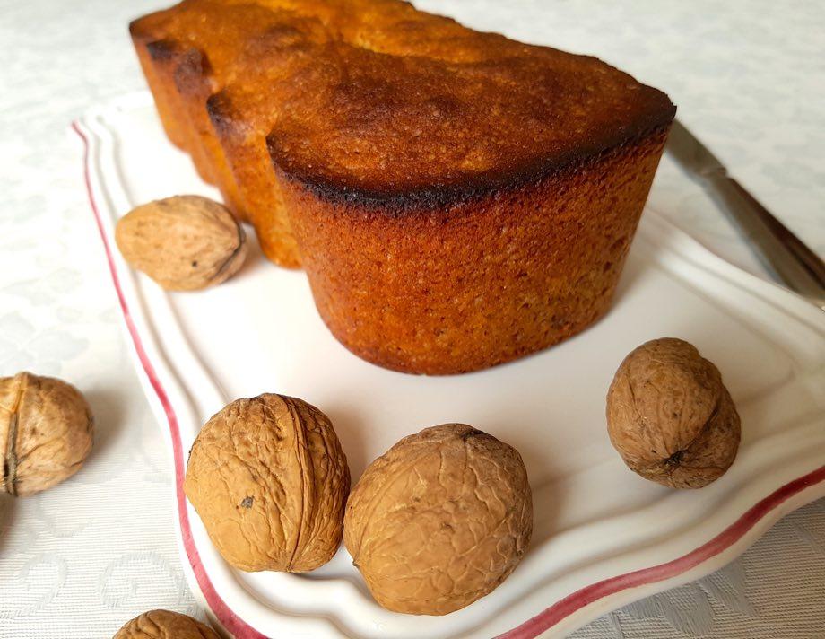 Cake aux noix –  recette automnale facile
