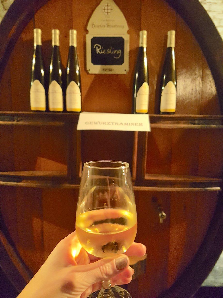 Cave des Hospices de Strasbourg Miss Elka Blog Strasbourg riesling verre de vin