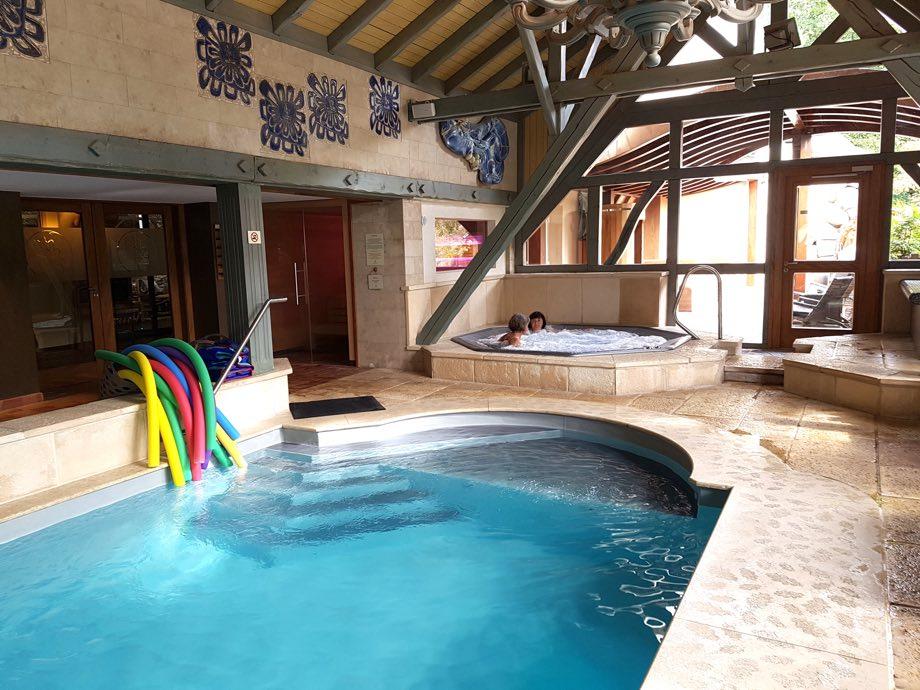 piscine et jaccuzi spa et brunch à la chenaudière