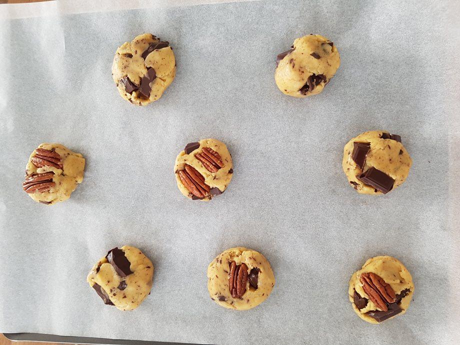 pate crue recette cookies pépites de chocolat noir et noix de pécan