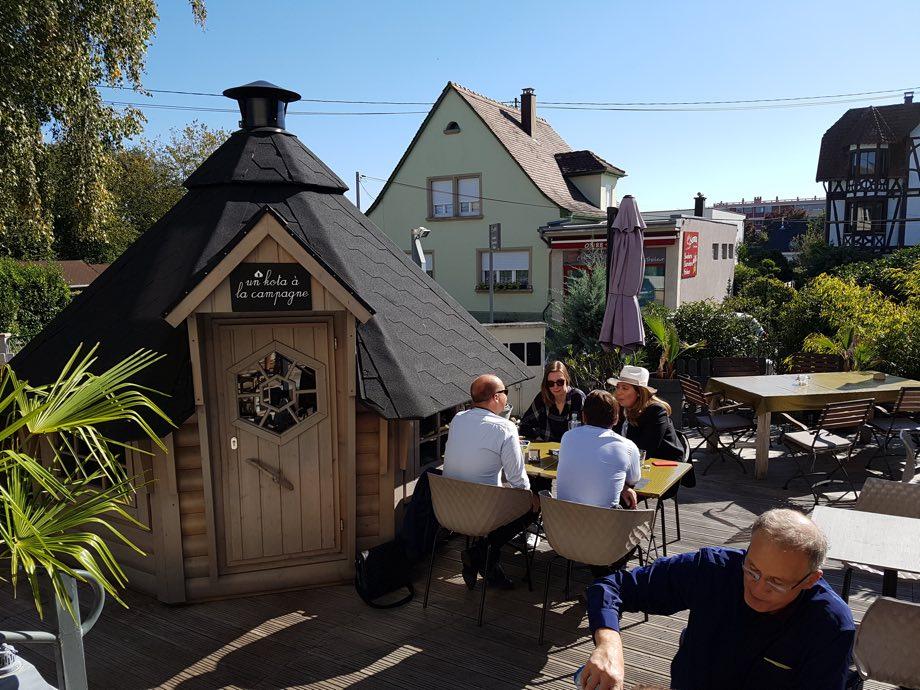 terrasse un cafe a la campagne miss elka