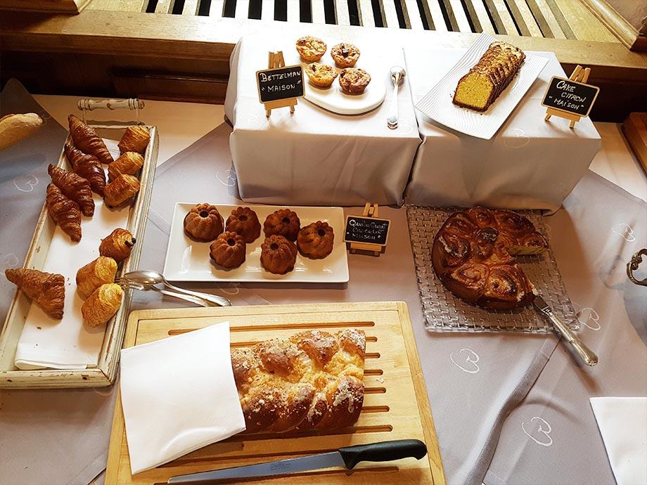 buffet-petit-dejeuner-auberge-cheval-blanc-lembach-miss-elka