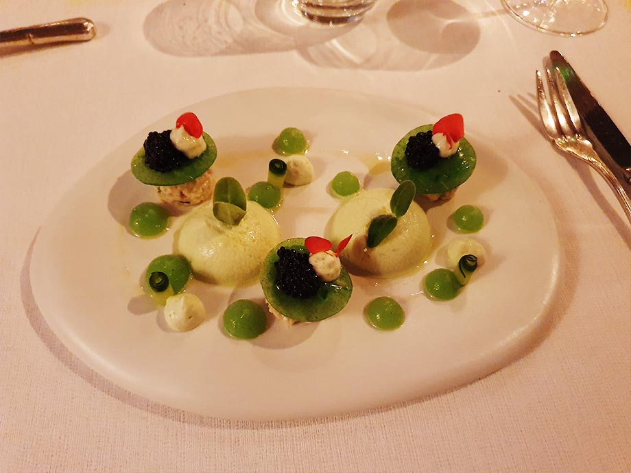 entree-auberge-cheval-blanc-lembach-pascal-bastian