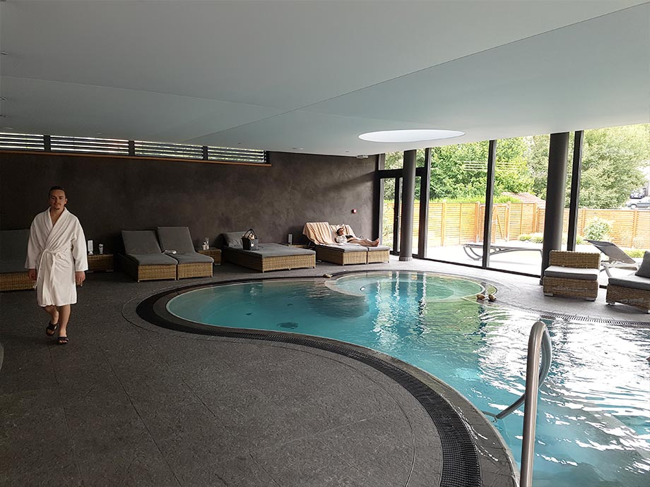 piscine-auberge-cheval-blanc-lembach-miss-elka