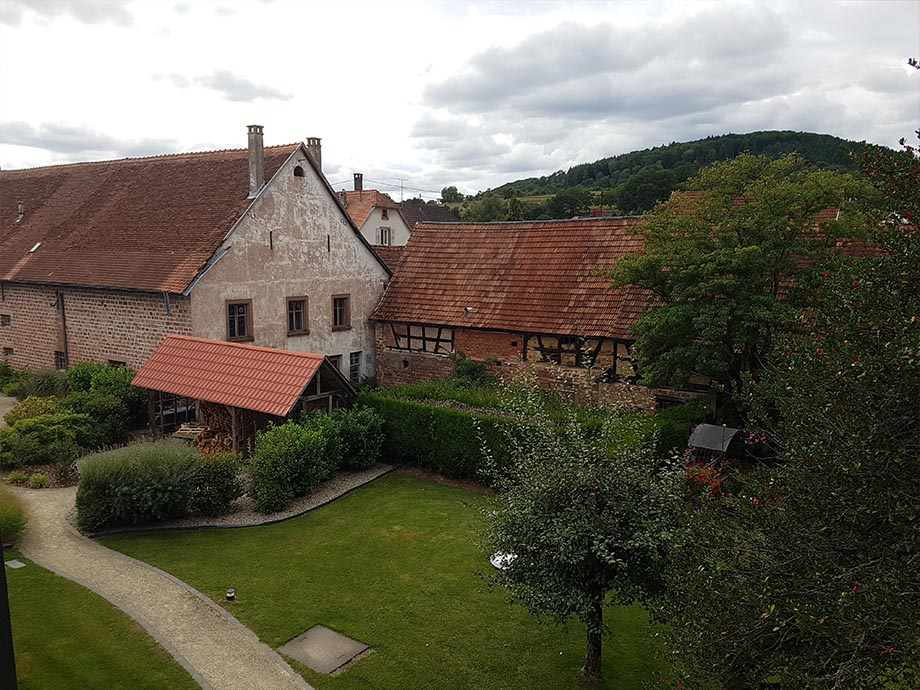 vue-chambre-auberge-cheval-blanc-lembach-miss-elka