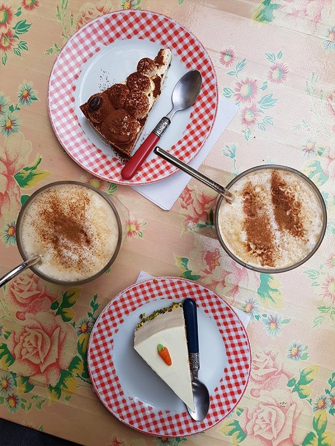 gouter à strasbourg carrot cake chai latte