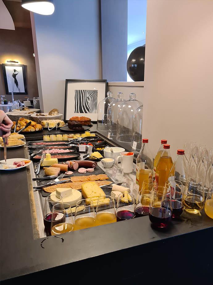 petit-dejeuner-buffet