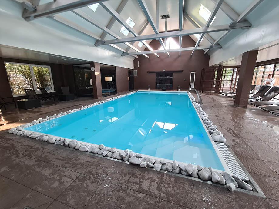 piscine-interieur-source-des-sens-morsbronn-les-Bains