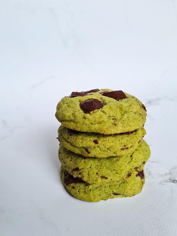 cookies-matcha-chocolat-noir-empiles