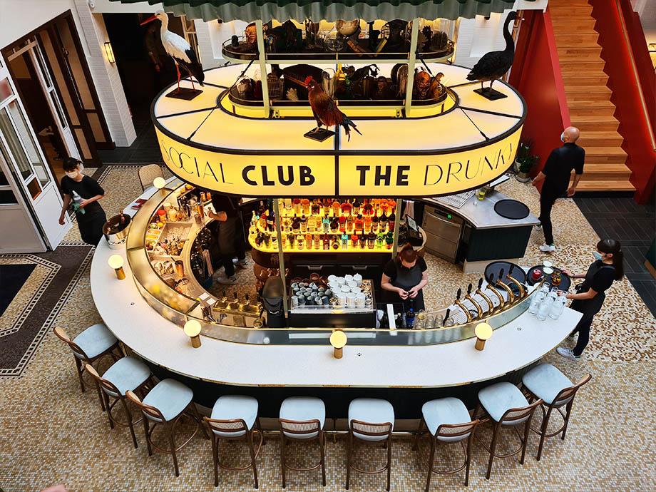 The drunky stork social club à Strasbourg